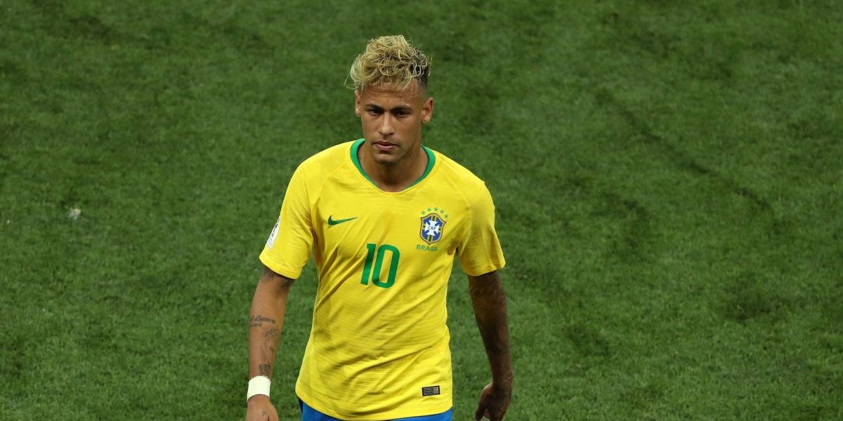 Éric Cantona se burla del peinado de Neymar