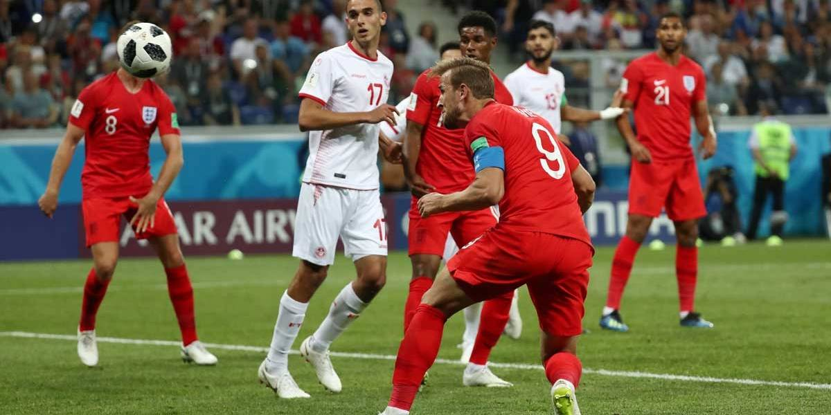 No sufoco, Inglaterra vence a Tunísia por 2 a 1