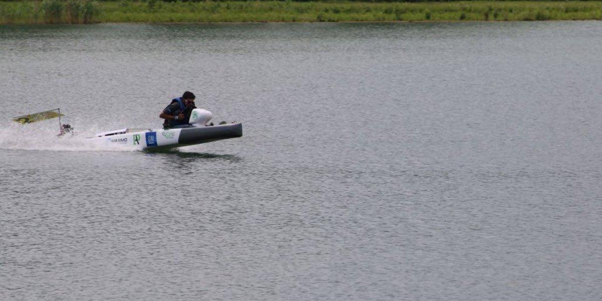 Reconocen a estudiantes boricuas por bote solar