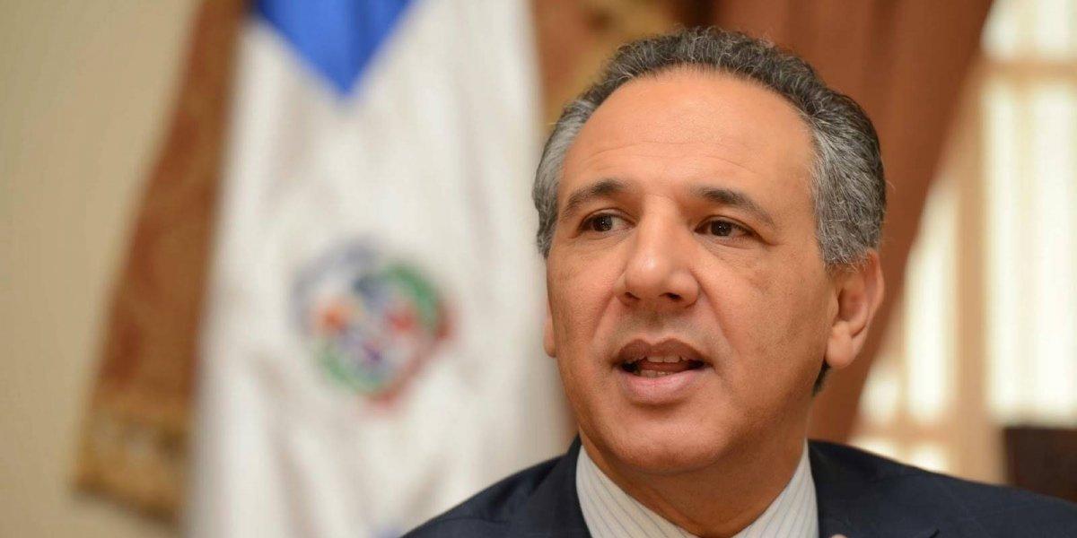 """Gobierno cierra cuatrimestre con """"superávit"""" en millones"""
