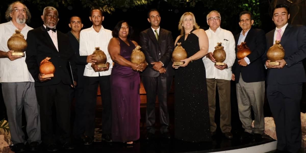 #TeVimosEn: Celebran décima edición de Premios Atabey