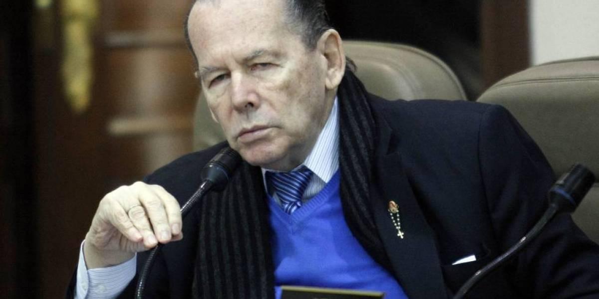 El senador Roberto Gerlein se encuentra en cuidados intensivos