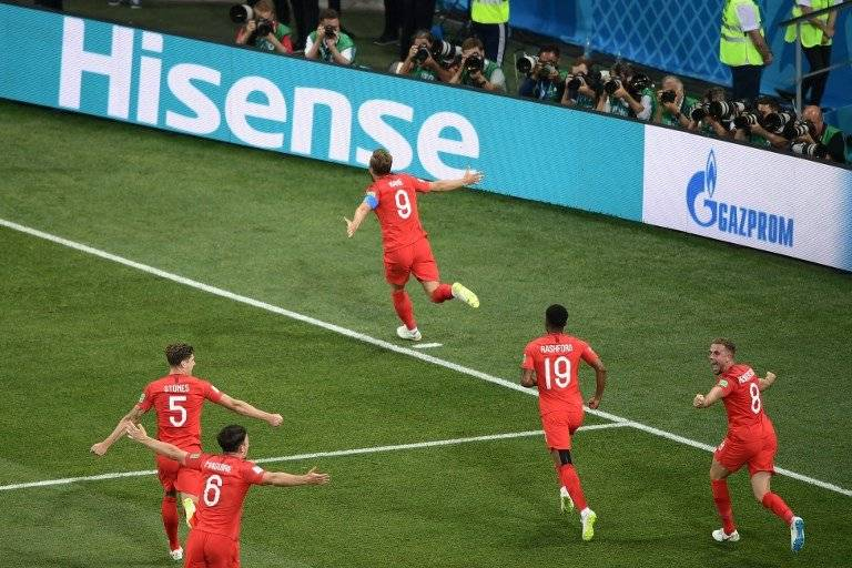Kane sale a celebrar su segunda anotación ante Túnez
