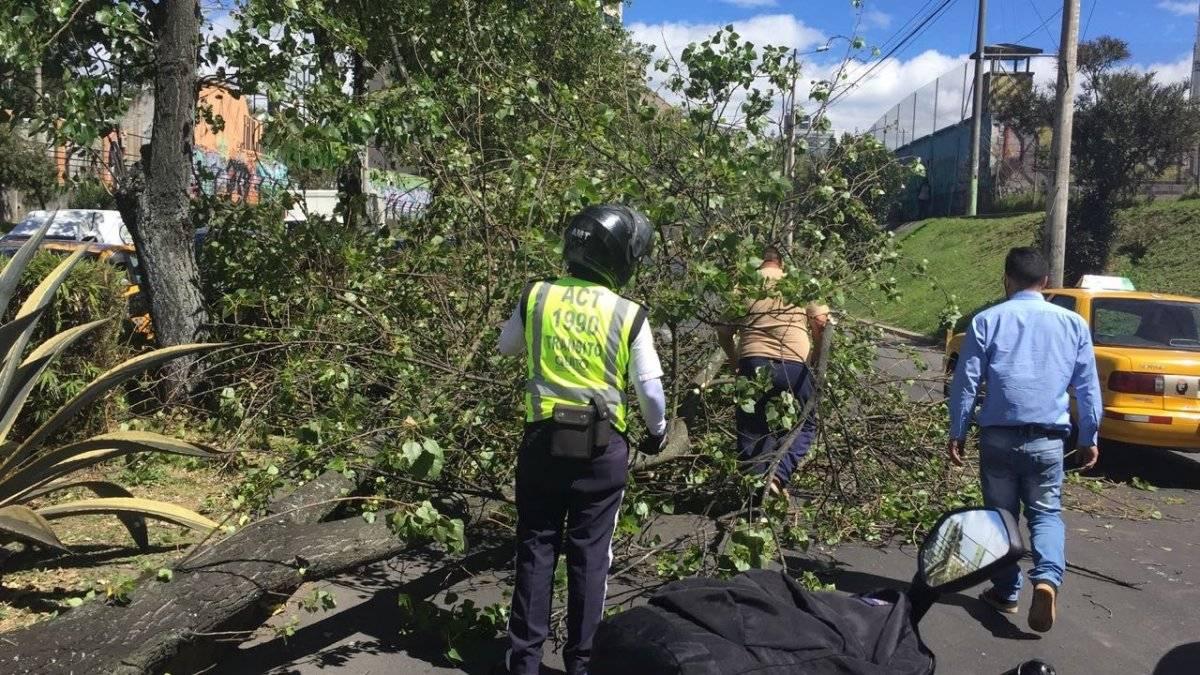 Quito: Fuerte congestión vehicular sobre la avenida Amazonas y Eloy Alfaro AMT
