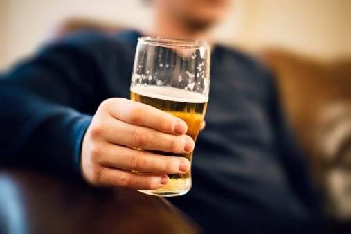 GETTY Más de una bebida con alcohol al día aumenta el riesgo de mortalidad y cáncer