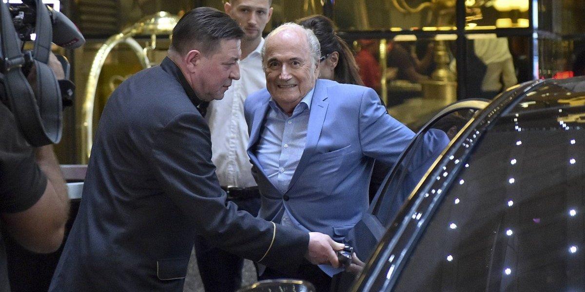 Como Joseph por su casa: Blatter llegó a Rusia para ver el Mundial pese a castigo de la FIFA