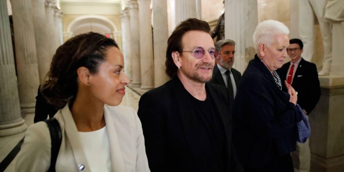 Bono de U2 critica separación de familias en EE. UU.