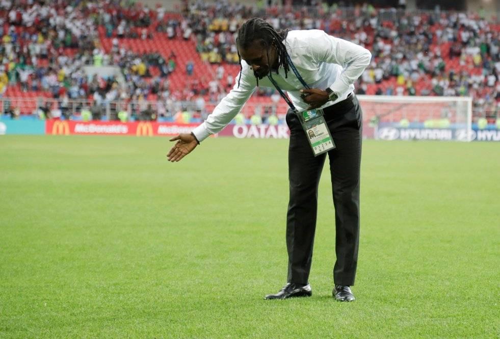 Cissé despidiéndose de la hinchada de Senegal en el Otkrytiye Arena de Moscú / Foto: AP