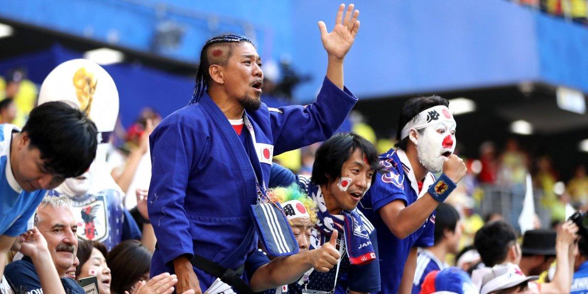 Celebrando a pura limpieza: El notable gesto de los hinchas de Japón y Senegal en Rusia 2018