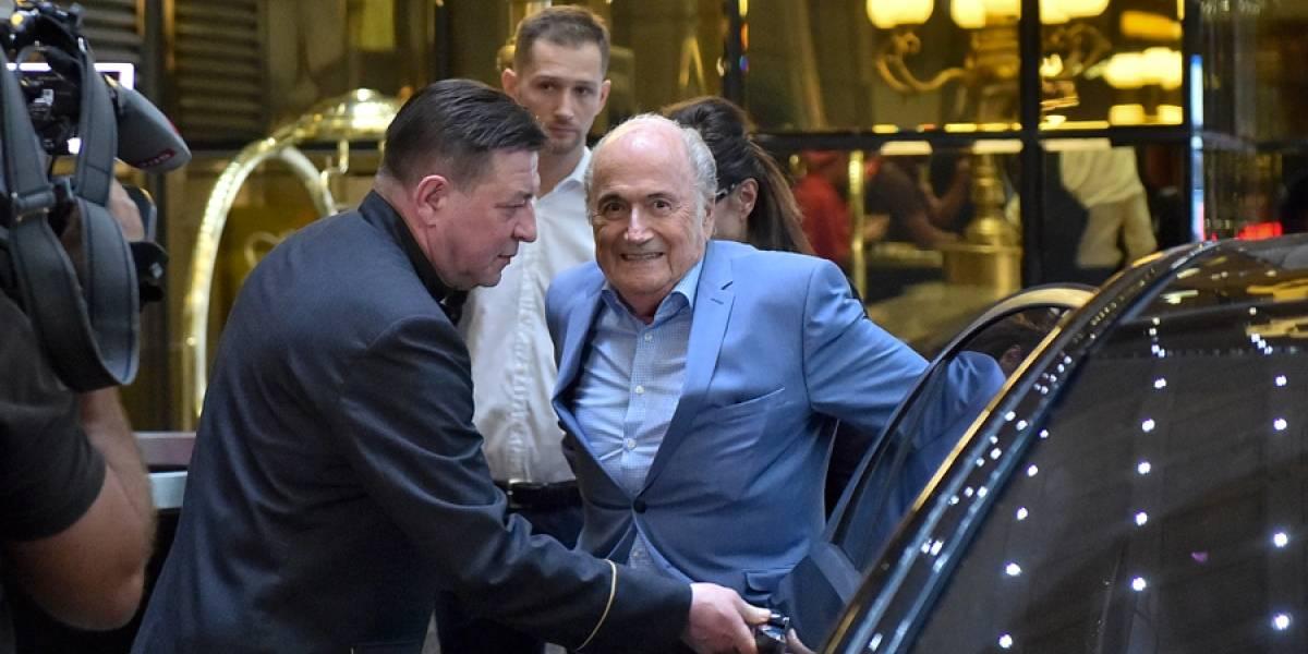 Joseph Blatter llega a Rusia para ver 2 partidos del Mundial