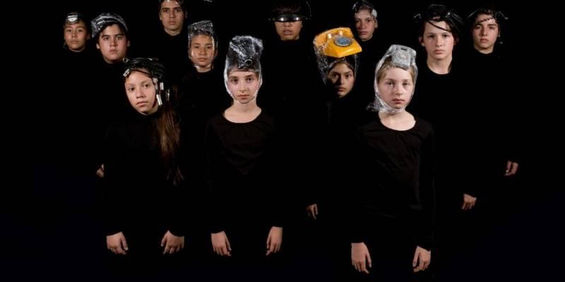 #LaConquista en el teatro chileno: La obra que explora la incidencia de la tecnología en la actualidad