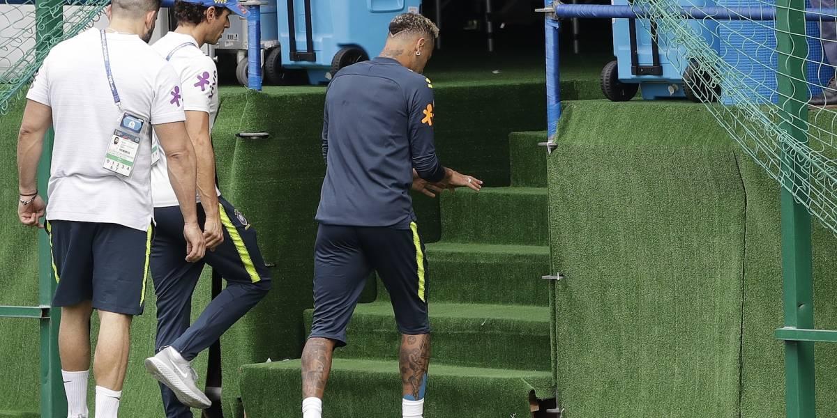 Neymar enciende alarmas en Brasil; dejó entrenamiento lesionado