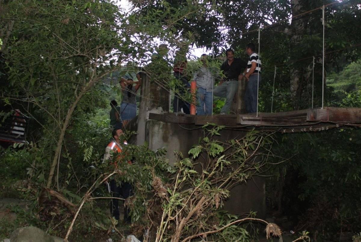 colapsa puente en El Progreso