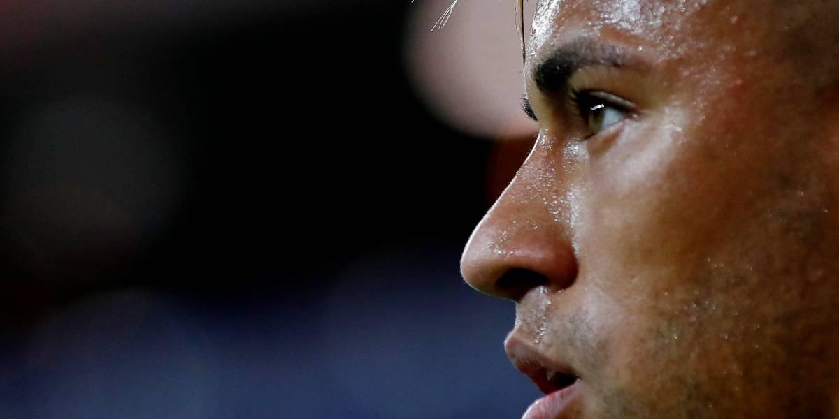 Neymar volta a treinar com a Seleção após dores no tornozelo