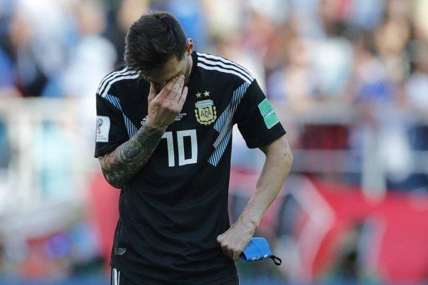 """La familia sufre con las críticas a Messi por """"pecho frío"""" / imagen: AP"""
