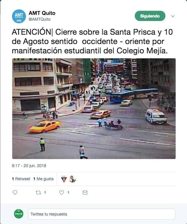 ierre sobre la Santa Prisca y 10 de Agosto sentido occidente - oriente por manifestación estudiantil del Colegio Mejía.