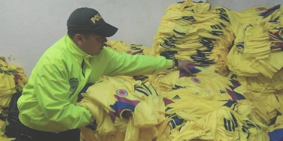 Millonaria incautación de camisetas piratas de la Selección Colombia en Bogotá