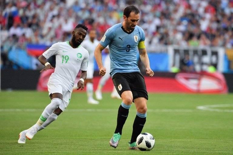 Godín, el jugador con más partidos en Uruguay