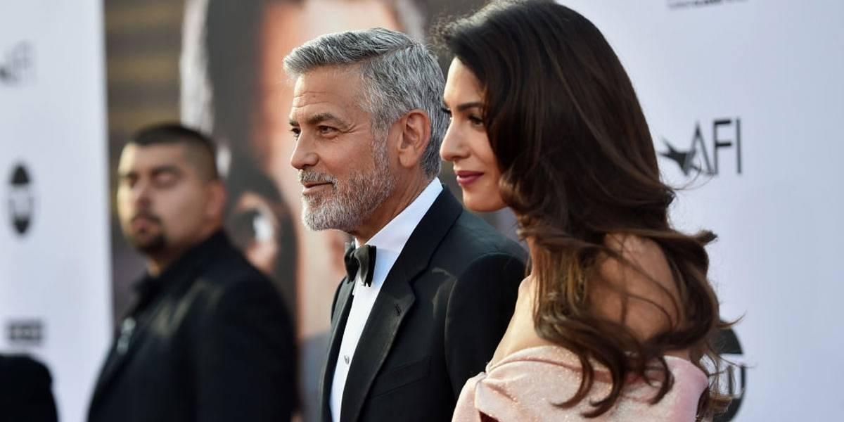 George e Amal Clooney doam US$ 100 mil para ajudar imigrantes que tiveram famílias separadas