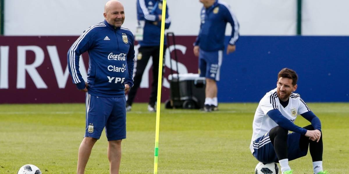 """Sampaoli defiende con garras a Messi: """"Leo es un prócer para Argentina y debemos acompañarlo"""""""