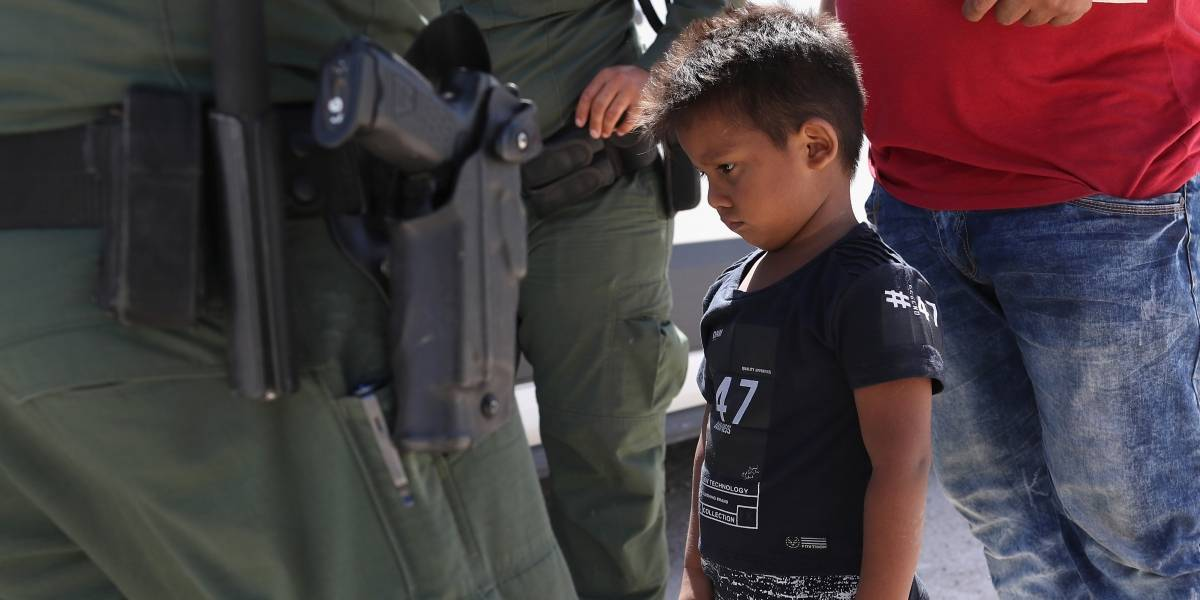 Trump cede ante la presión: firma un decreto para poner fin a la práctica inhumana que separa niños de sus familias