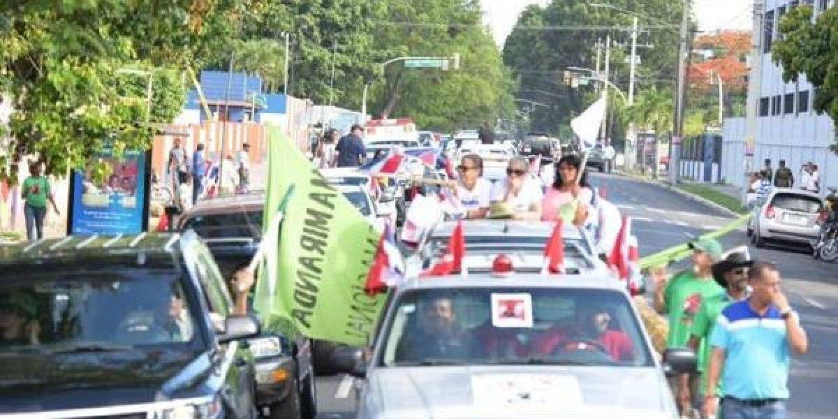 Decenas participaron en marcha contra el alza de los combustibles