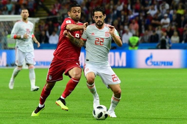 Isco Alarcón durante la primera mitad del juego ante Irán