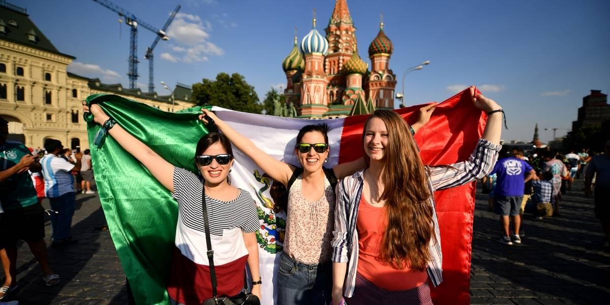 Quieren que México llegue a octavos en la cancha futbolera y financiera