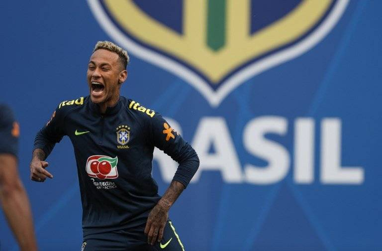 Neymar durante la práctica de Brasil