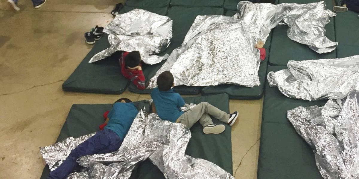 Tristeza y desesperación entre los niños separados de sus papás