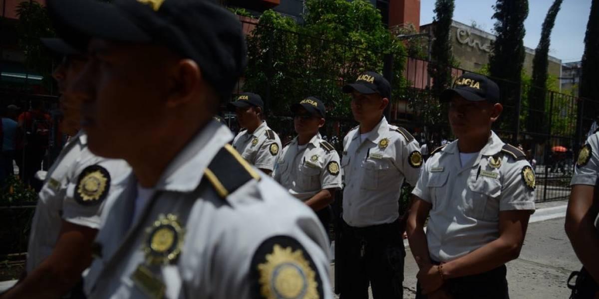 Señalan riesgo de que PNC pueda militarizarse; ministro de Gobernación lo niega