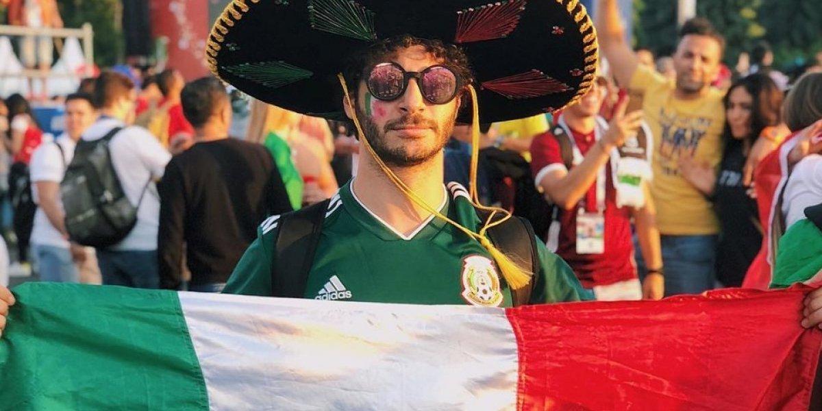 Debryanshow encuentra cartera de mexicano en Rusia y pide apoyo para localizarlo