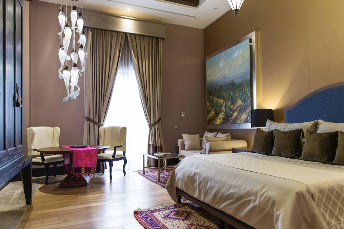 En habitaciones de lujo reciben a personas y empresarios de todo el mundo. Cortesía