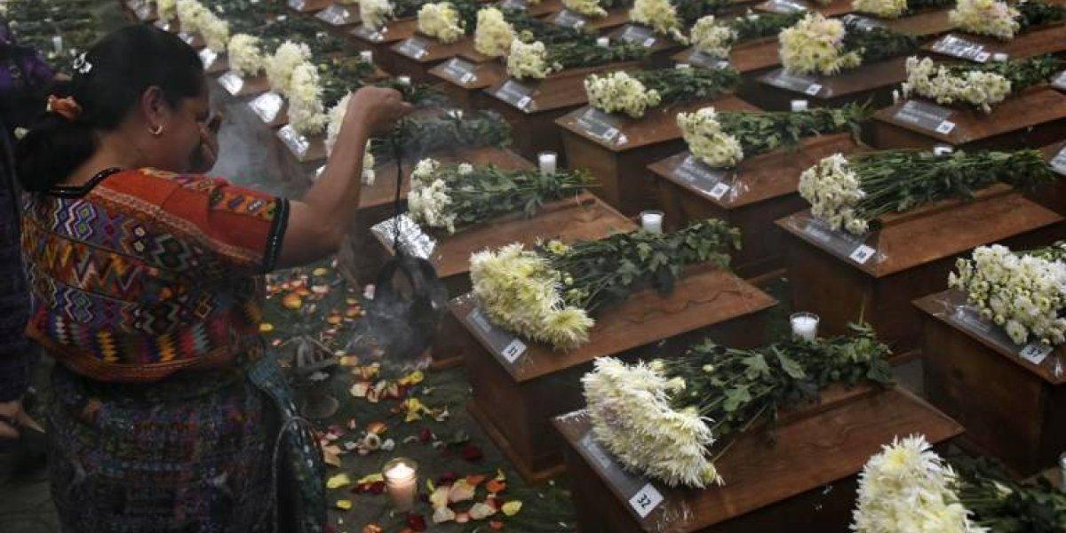 EN IMÁGENES. San Juan Comalapa despide a 172 víctimas del conflicto armado interno