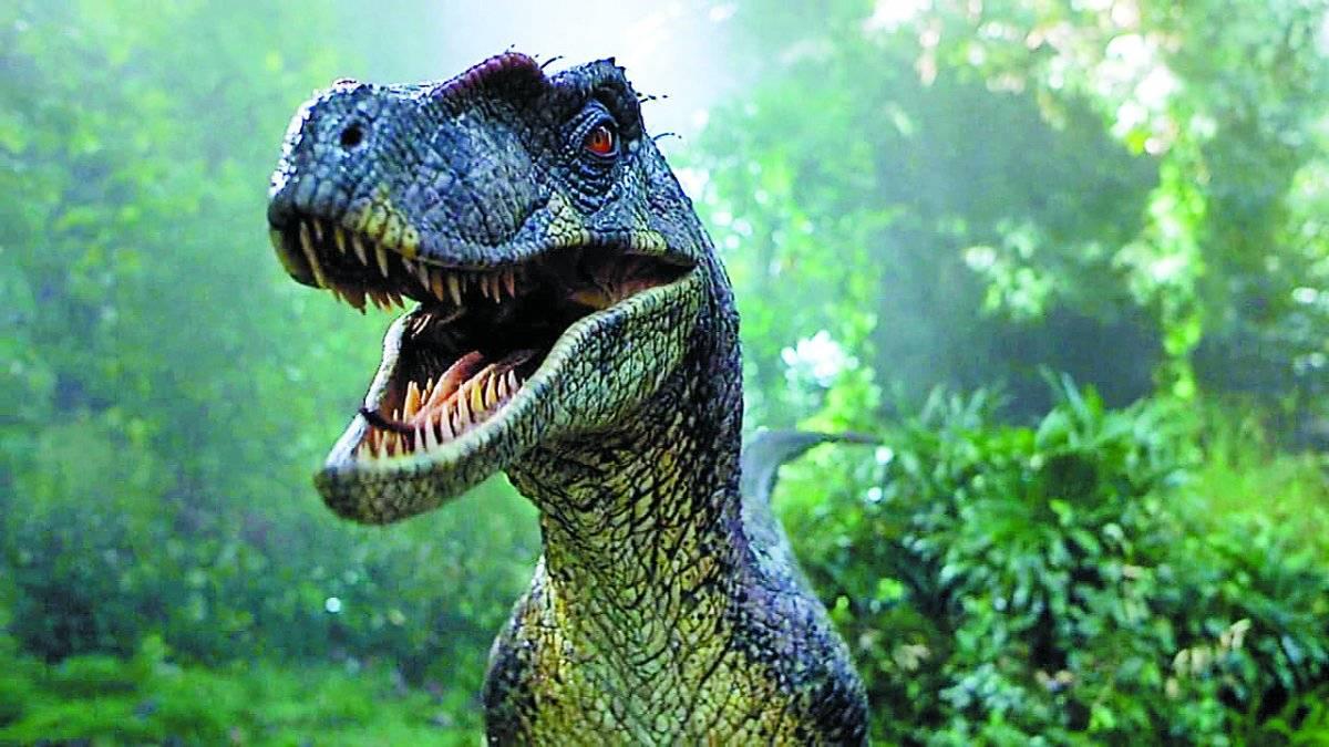 'Jurassic Park 3' (2001). O terceiro título da franquia foi o primeiro a abrir mão da direção de Spielberg. Enganado por um casal, o paleontólogo Alan Grant se vê mais uma vez diante dos dinos / Divulgação