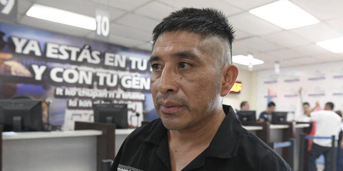 Retornan a huehueteco que fue separado de su familia en EE.UU.