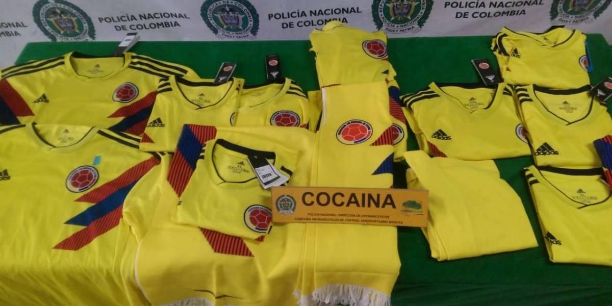 Incautan cinco kilos de cocaína en camisetas de 'la Tricolor' que iban a Europa