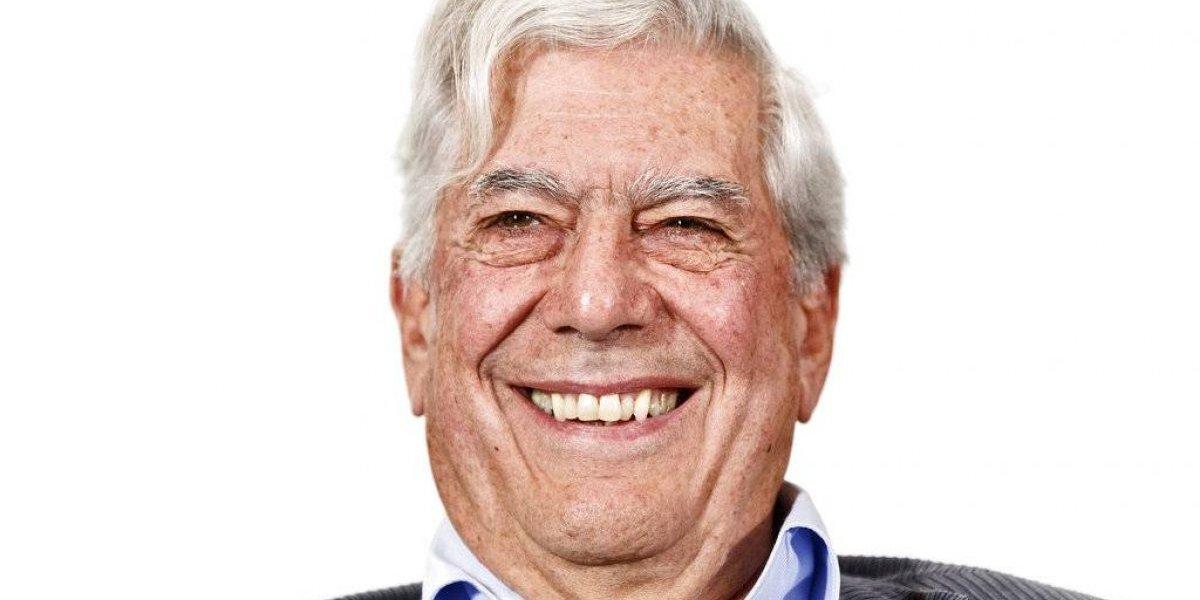 Hospitalizan a Nobel peruano Vargas Llosa
