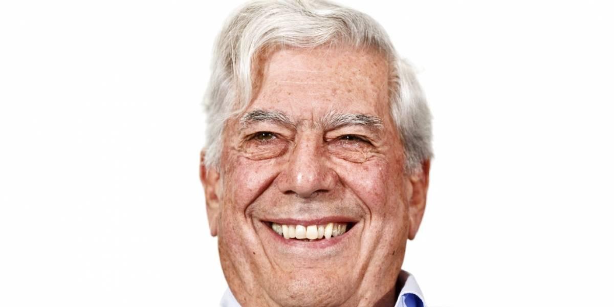 Vargas Llosa es hospitalizado tras sufrir fuerte caída en su casa