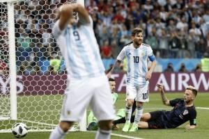 Rostros de dolor ante goleada de Argentina