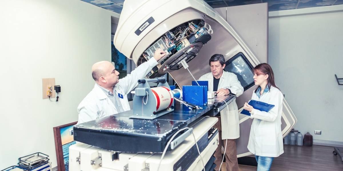 Grupo de investigación chileno descubre solución que mejoraría los tratamientos de radioterapia para el cáncer