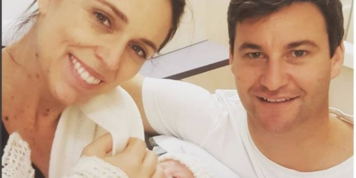 Primera ministra de Nueva Zelanda da a luz a una niña