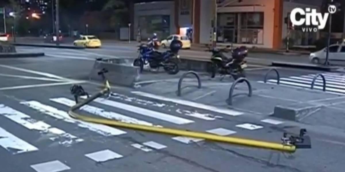 Joven protagonizó aparatoso accidente en Bogotá luego de sacar el carro de los papás