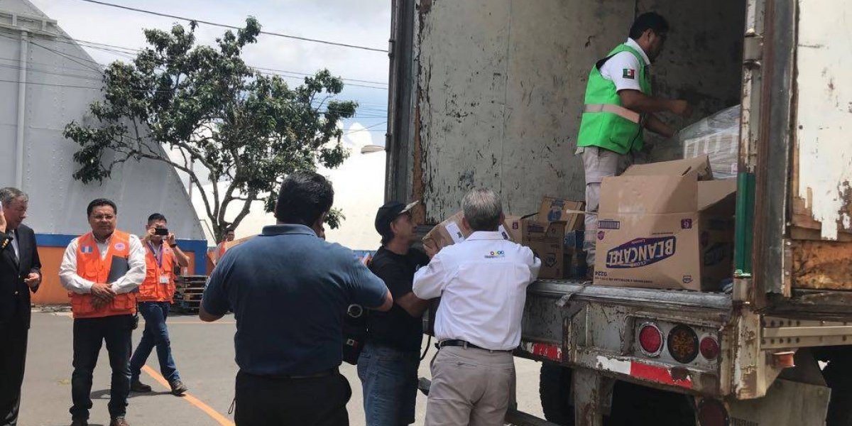 México entrega ayuda humanitaria para afectados por la erupción