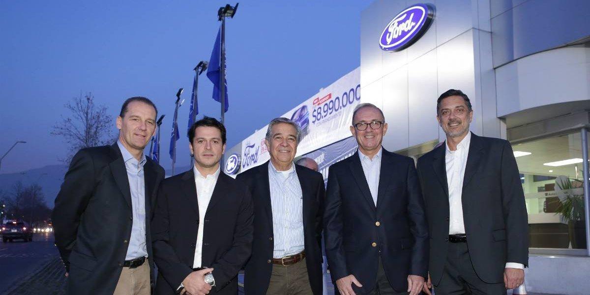 Ford inaugura una nueva sucursal de Auto Summit