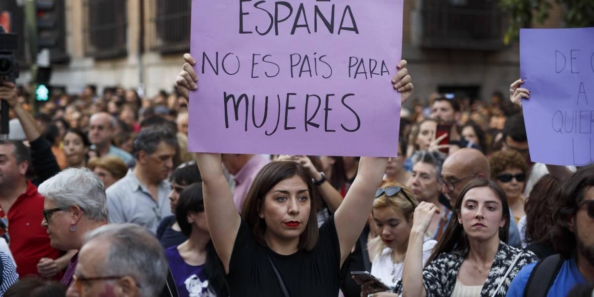 """Indigna en España libertad de """"La Manada""""; acusados de abuso sexual"""