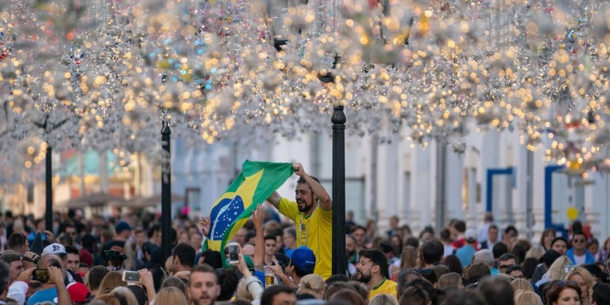 """""""Messi chau, Messi chau"""": hinchas brasileños se burlan del desastre de Argentina en Rusia 2018"""