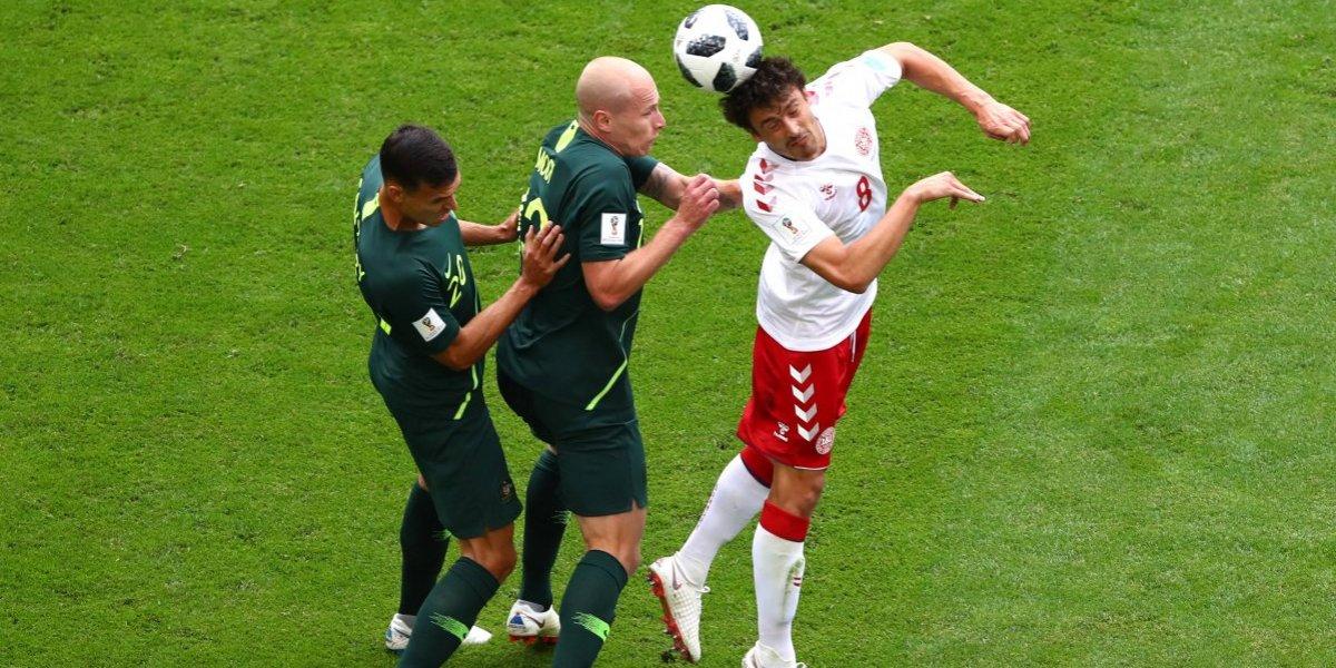 Dinamarca empata ante Australia y alarga su pase a octavos