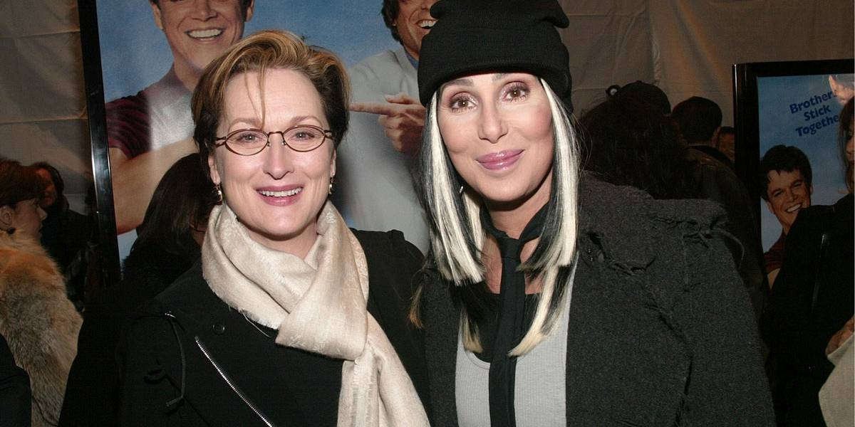Cher conta que ela e Meryl Streep salvaram uma mulher de estupro