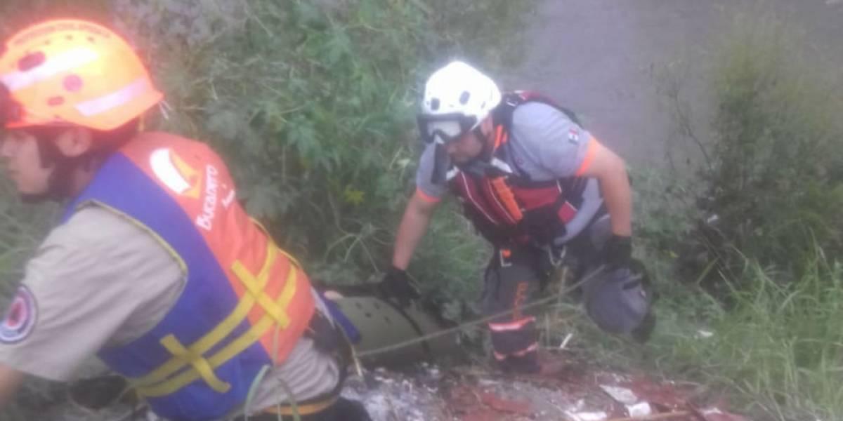 Rescatan cadáver de primera víctima de lluvias en Monterrey
